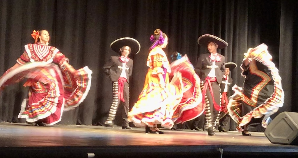 Pictures of Folklorico Performance