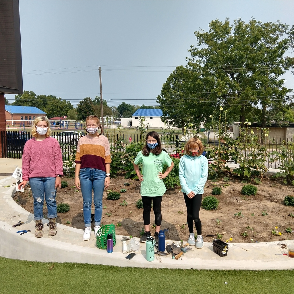 Community Service and Leadership students garden